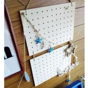 有孔ボードを『吊るしただけ』♪tomokaさん流、とっておきディスプレイスペースの作り方 [連載:○○しただけインテリア]