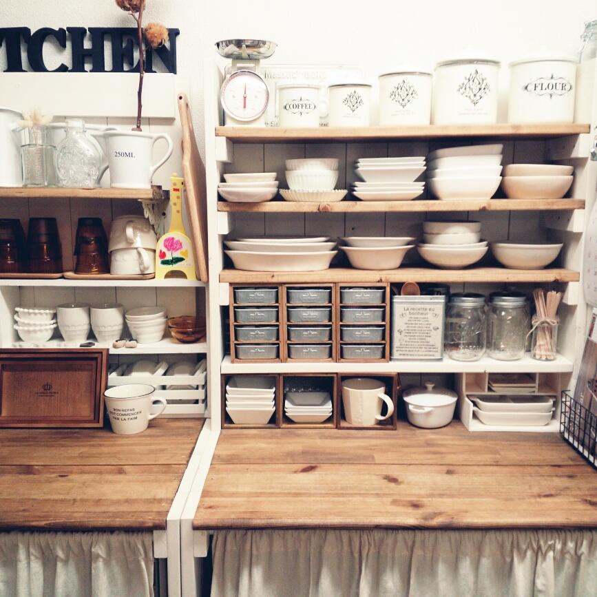 工夫がいっぱい!食器をしまうのが楽しくなる食器棚DIY10選