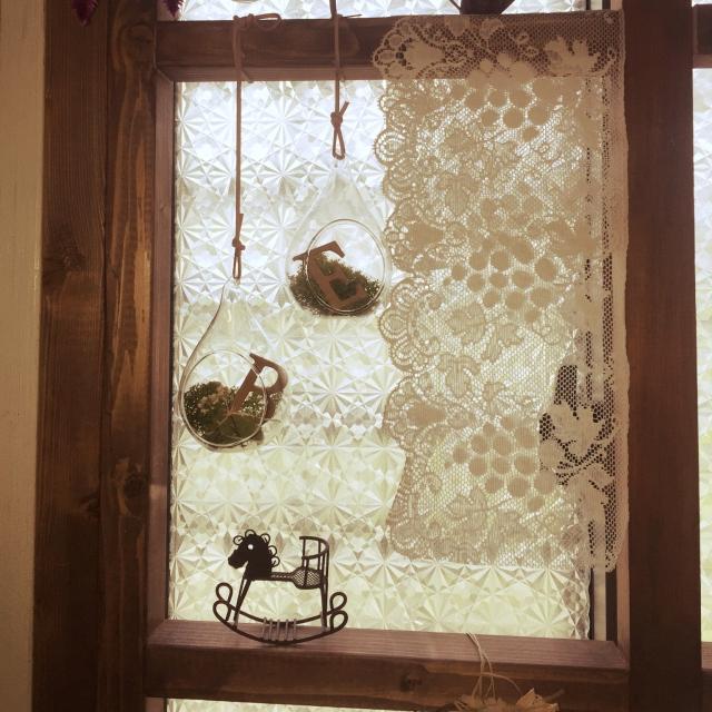キッチン小窓のアクセントに
