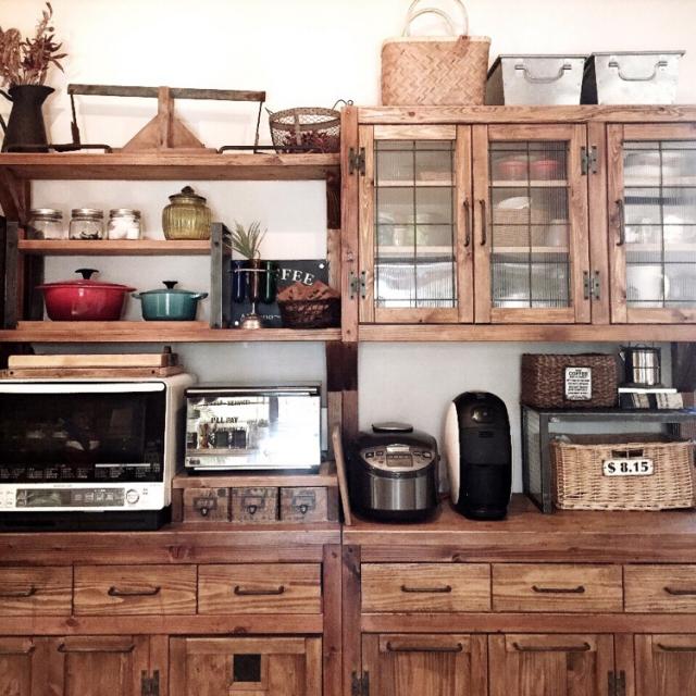 まるでログハウス♪DIY食器棚(by ranranさん)