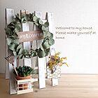 ようこそ!玄関をウェルカムボードやリースで飾るアイデア