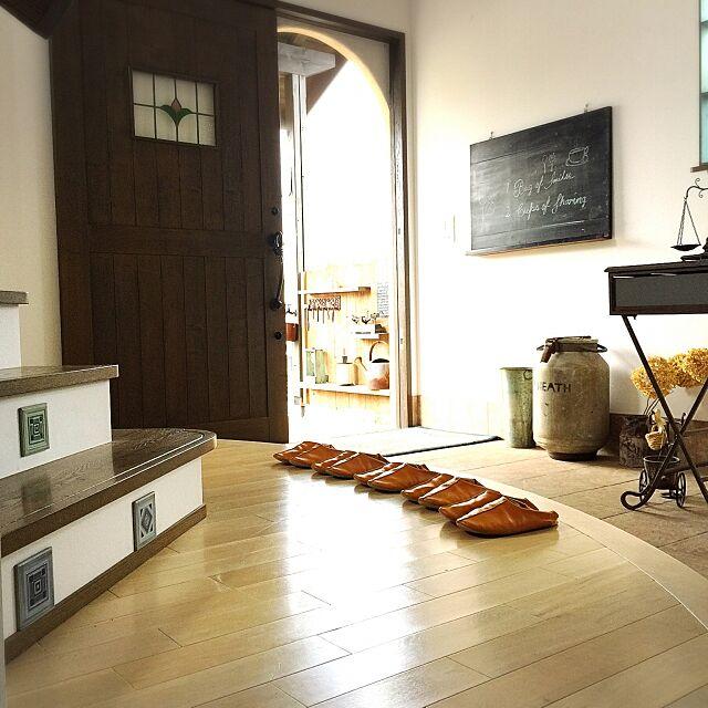 Entrance,マエストロ,バブーシュ,スリッパ,アール下がり壁,玄関マット,玄関ドア,ガーデン雑貨 shio2772の部屋