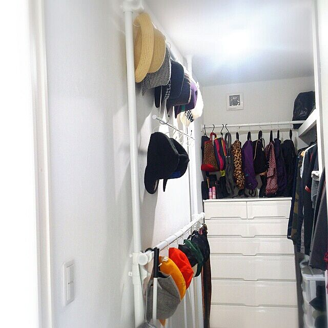 On Walls,つっぱり棒,バッグの収納,帽子収納,ウォークインクローゼット,収納,整理は好きだけど掃除は苦手 OtOの部屋