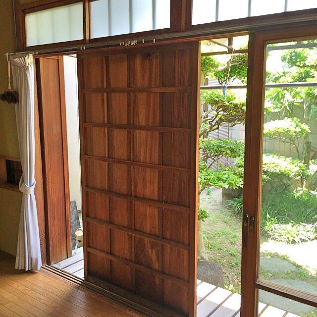 Entrance,縁側,昭和な生活,木製雨戸,日本家屋,庭 NORiの部屋