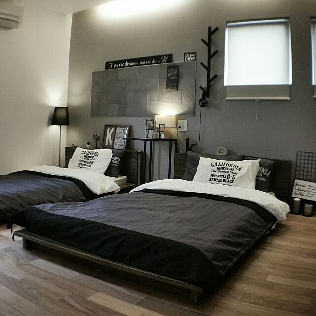 Bedroom,IKEA,寝室,間接照明,ニトリ,フロアベッド,アクセントウォール,LIXILエコカラット,ニトリのベッドカバー,IKEAのランプシェード,IKEAのサイドテーブル,ニトリの寝具 chieの部屋