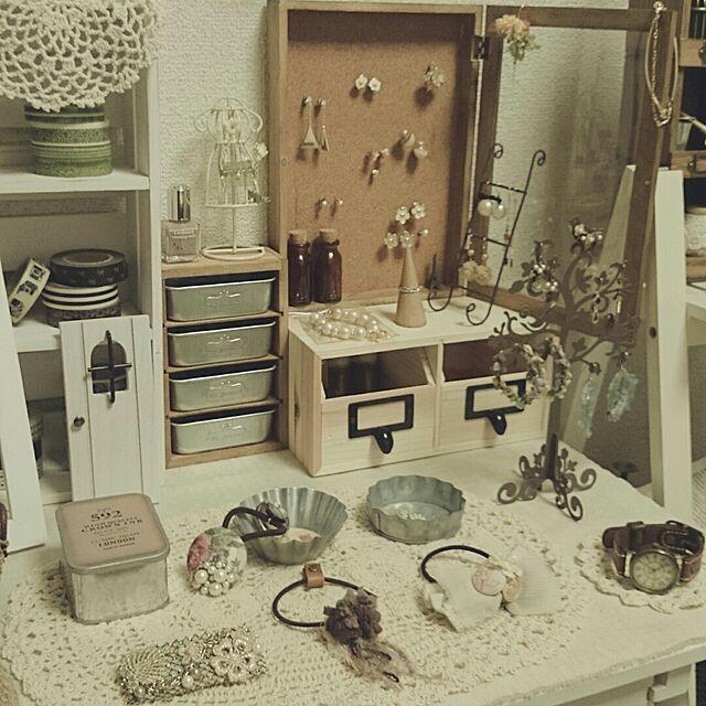 My Desk,アクセサリーディスプレイ,セリア,ダイソー,100均,セリアリメイク,ピアス収納,一人暮らし mykの部屋