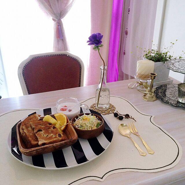 Lounge,食器,IKEA,花瓶,花のある暮らし,アンティーク,チェア,カーテン,カトラリー,アネモネちゃん,ランチョンマット,手作り,テーブル,お昼ご飯でした mmipの部屋