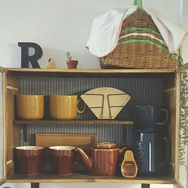 On Walls,キッチン収納,狭いキッチン,DIY,seria,スタジオM,ワイン木箱,ワイン木箱リメイク,BRIWAX,かご収納,コーヒードリッパー,カフェコーナー rumiの部屋