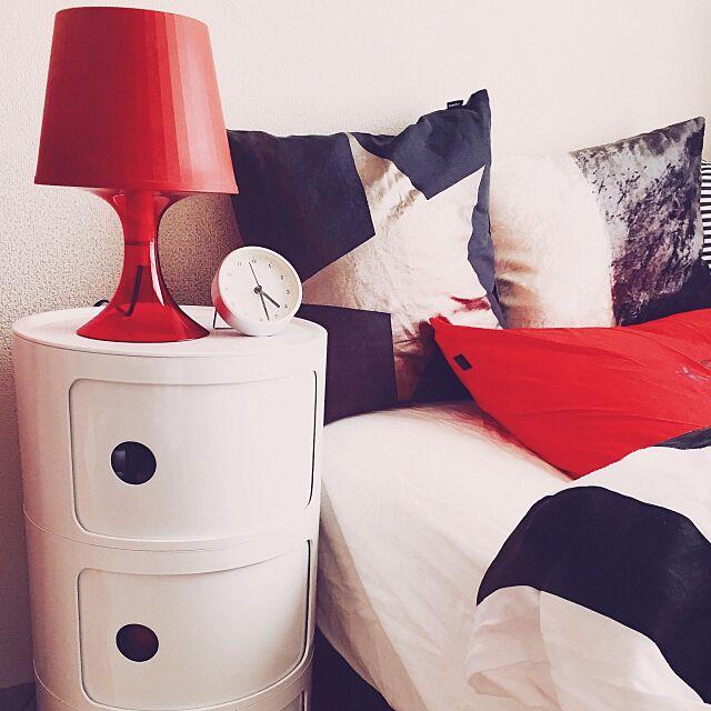 Bedroom,無印良品,目覚まし時計,ライト,照明,IKEA,リプロダクト,コンポニビリ,1K,賃貸,ひとり暮らし,flancflanc,クッション,差し色は赤,一人暮らし hlkの部屋