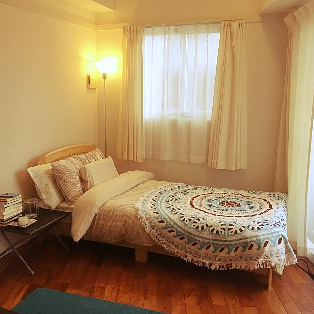 Bedroom,寝室,一人暮らし,ニトリ♡,ナチュラル,読書はベットの上で,ニトリ,ニトリのカーテン,ニトリのクッションカバー,ニトリ照明,ベージュ大好き sky802の部屋