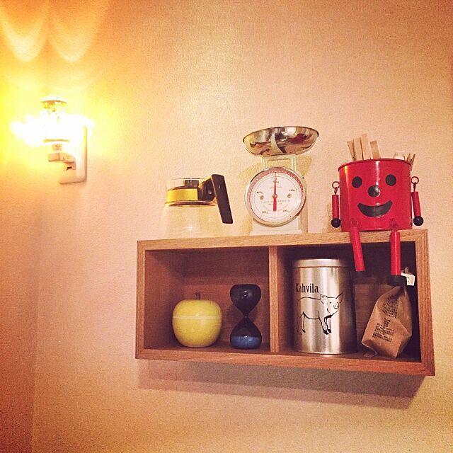 My Shelf,砂時計,壁に付けられる家具,コーヒー,スケール,雑貨,無印良品,照明,一人暮らし,キッチン収納 ryochelの部屋