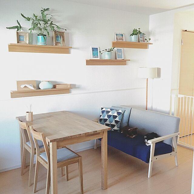 Lounge,ニトリのクッションカバー,無印良品カバー,清潔感が大事ー♪,シンプルライフ,無印良品カーテン,無印良品 家具,シンプルな暮らし,スッキリが好き,爽やか,無印良品間接照明,さわやかスタイル,無印良品クッション,無印良品 壁に付けられる家具,ホワイト,シンプル好き,無印良品,ブルー,グレー,間接照明,SUMMER!,無印良品かご,ビーチスタイル,無印良品ライト,スッキリ暮らしたい,北欧,チワワ,犬と暮らす Maron_Chaco_Roomの部屋