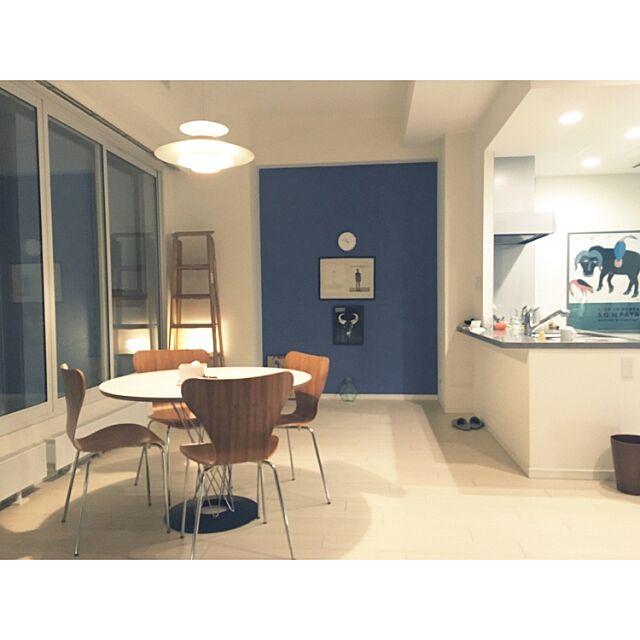 Overview,サイクロンテーブル,セブンチェア,脚立,友人のアート,ポーターズペイント,地元LOVE Yoheiの部屋