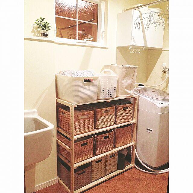 Bathroom,無印良品,ニトリ,ウッドシェルフ,収納,かご,ランドリールーム,洗濯室,フェイクグリーン,シンプル,ナチュラルインテリア,シンプルインテリア,すっきり暮らす chapiの部屋