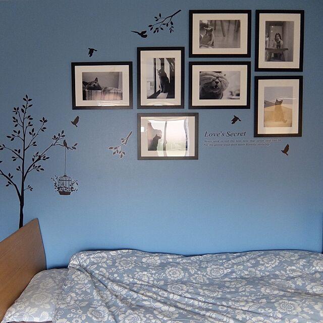 Bedroom,ウォールシール,ウォールステッカー,インテリア,白黒写真,写真飾り,写真,額,DIY,青い部屋,青い壁 goemonの部屋