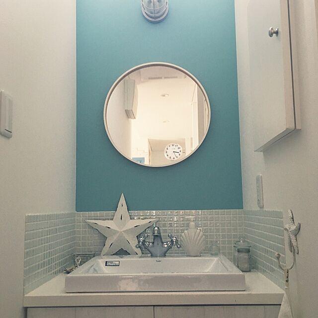 Bathroom,マリンライト,キラキラタイル,IKEAの鏡,水色の壁紙,白,シェル,ガラス,星 nao70の部屋