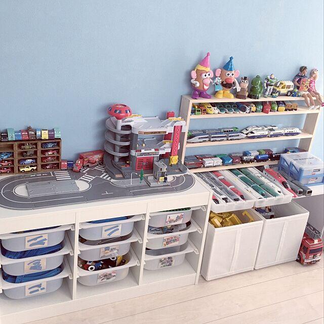 My Shelf,トミカ,カーズ,skubb,スクッブ,ペンキ塗り,子ども部屋,おもちゃ,おもちゃ収納,プラレール収納,IKEA,イケア,トロファスト,シンプル 白,整理収納,トイストーリー yanaの部屋