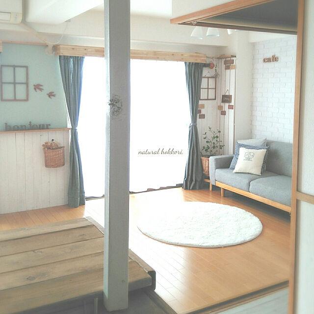 My Desk,ナチュラルホッコリ目指してます♡,ナチュラルインテリア,木のぬくもりが好き♡,インスタやってます♡,DIYでお部屋作り,板壁DIY,アクセントクロス ブルー,白×木が好き,コメントスルーで大丈夫です♡ sunnyの部屋