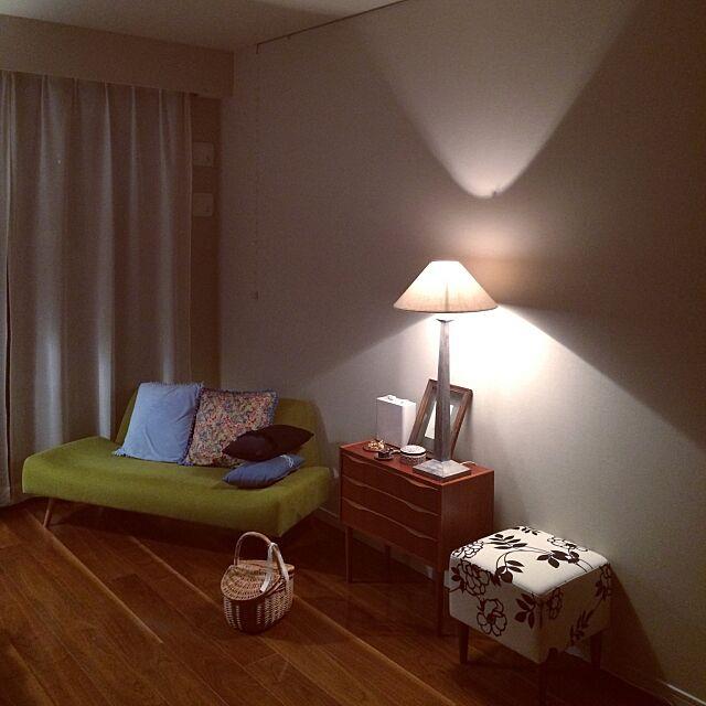 Lounge,IDEE,かご,テーブルランプ,テーブルライト,北欧,無印良品,シンプル,かご収納,チェスト,照明,オルネドフォイユ,スツール,ornedefeuilles,一人暮らし,すっきり暮らしたい,Francfranc,IDEEソファー,フランフラン,クッションカバー,IDEE AOソファー skyblueの部屋