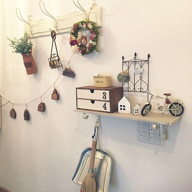 Entrance,リース,作家さんの作品,白×茶色が好き,雑貨がたくさん❤️,セリア,norikoko310さん革小物,スイッチ隠し Toshikoの部屋