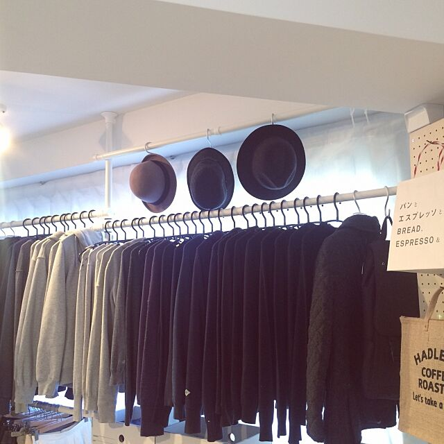 On Walls,地味,服の収納,シンプル,1Rの収納,15畳,狭小住宅,1R,そろそろ衣替え,ワンルーム,衣類収納,服 shirokumaの部屋
