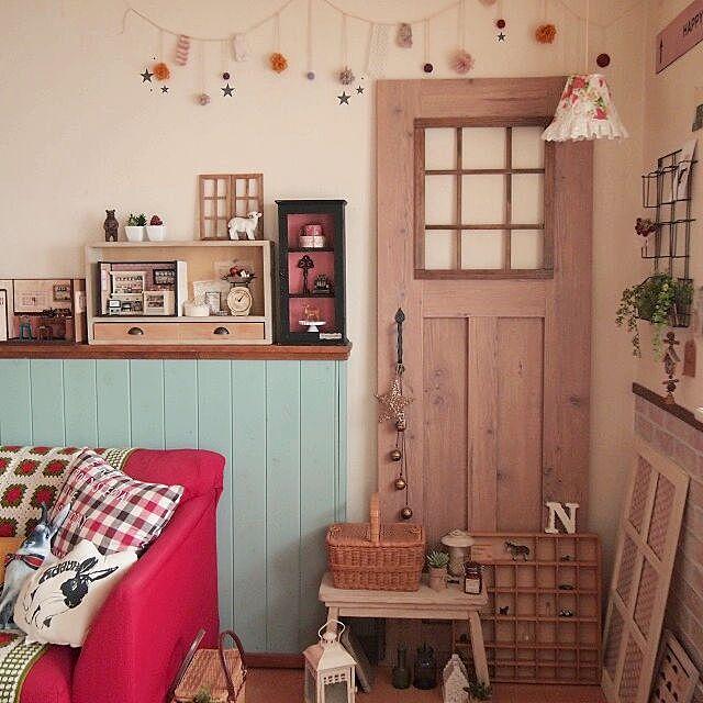 Lounge,フェイク扉DIY,腰壁DIY,雑貨,ミニチュア,ドールハウス,手作りランプシェード,飾り棚DIY,DIY chocoの部屋