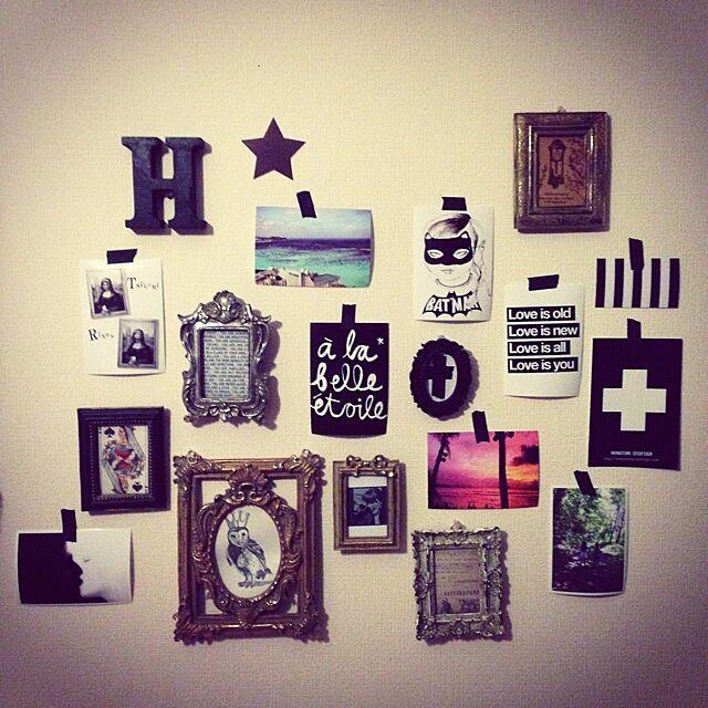 On Walls,アンティーク,フォトフレーム,ポストカード,プリントアウト、コピー,MINI&MAXIMUS,モノトーン,白黒,英字,マステ貼り,マスキングテープ 壁,アルファベットが好き!! meguの部屋