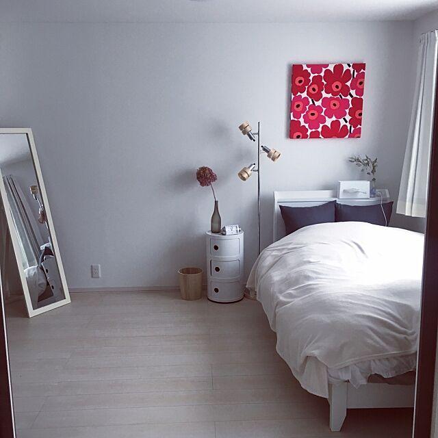 Bedroom,コンポニビリ,IKEA,白,北欧,1LDK,シンプル,ひとり暮らし,賃貸でも楽しく♪,ニトリ,マリメッコ,ドライフラワー,ファブリックパネル waraの部屋