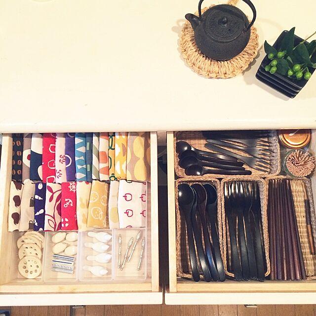 Kitchen,食器棚の引き出しの中,箸置き,カトラリー,手ぬぐい,収納,和 asamiの部屋