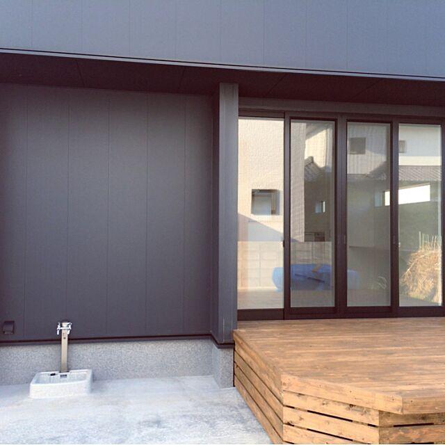 Overview,小さな庭,ウッドデッキ,ニチハ,ガルバリウム,五角形,黒い家,樹脂サッシ,キシラデコール,ヤマトホーム,外壁 Joe.の部屋