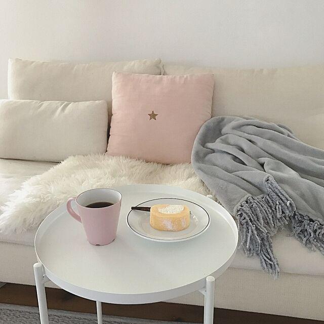 Lounge,ムートン,COLONY 2139,ムイムーチョ,ピンクとグレー,サイドテーブル,IKEA saooo39の部屋