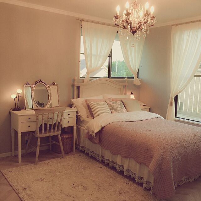 Bedroom,シャンデリア♡,フレンチカントリー,シャビーシック,シャビーが好き♡ maki_poohの部屋