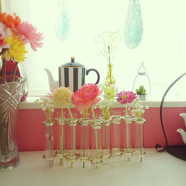 My Desk,いつもいいねやコメントありがとう♡,カラフルな部屋,IKEA,ダルトンの花器,ダイソーの造花 Yukanenkoの部屋