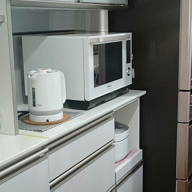 キッチン家電,Panasonic bistro,タイガーケトル,Kitchen,こどもと暮らす,しろ,日立の冷蔵庫,TOSHIBA炊飯器,AYANOキャビネット kazumizmの部屋