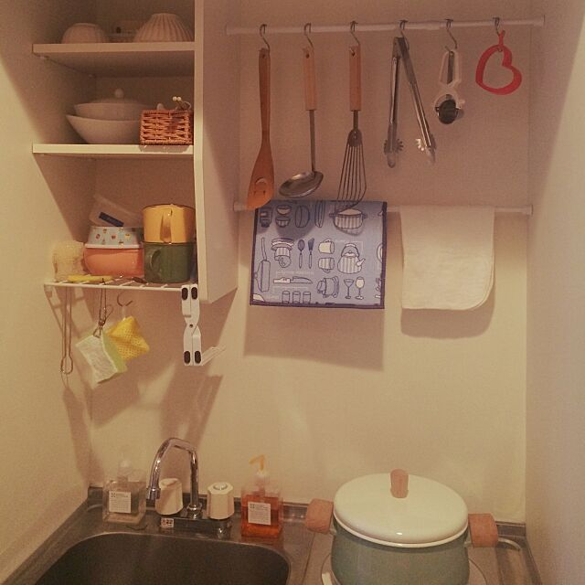 Kitchen,初投稿!よろしくお願いします。,100均,一人暮らし,ナチュラル,IKEA,マグカップお気に入り,賃貸,極狭ワンルーム,ミニキッチン,ねこと暮らす。,オシャレな部屋に住みたいのに,極狭1K,どうしたらオシャレな部屋になるのか? naachiの部屋
