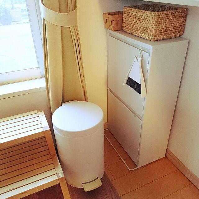Lounge,木製ステップ,IKEA,卓上ほうき,ダストボックス,無印良品,セリア,ブラバンシア ゴミ箱 kousanaの部屋