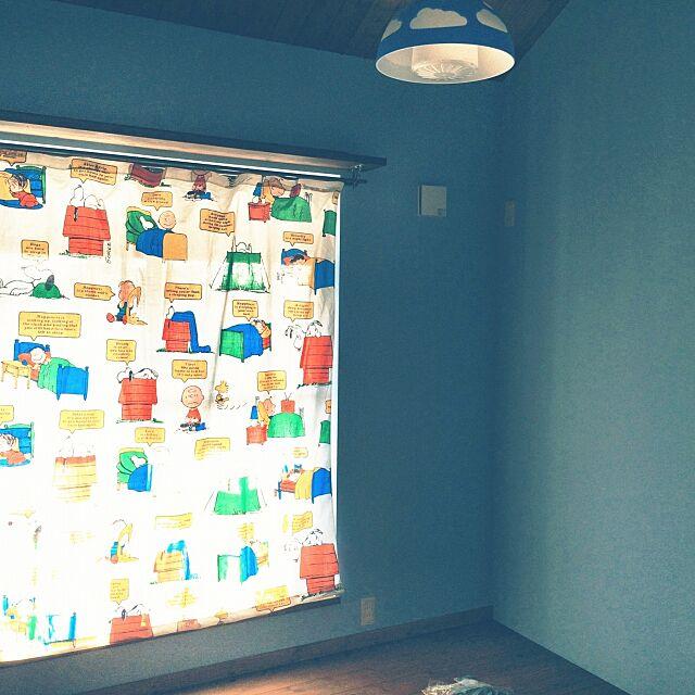On Walls,スヌーピー,カーテン,カーテンはハンドメイド,息子の部屋,こんなことしてるから片付け進まない。,acconちゃんできたよー♪ yu1724kaの部屋