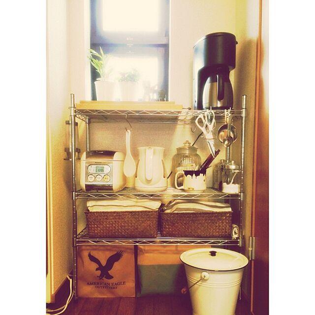 Kitchen,T-faL,STARBUCKS COFFEE,IKEA,スチールラック,ニトリ,コーヒーメーカー,3Coins,一人暮らし,1R,賃貸,セリア,TIGER asmknkの部屋
