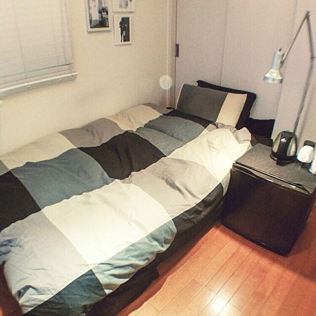 Bedroom,IKEA製リネン,シンプルインテリア,メンズ部屋,ソファーベッド,ミニ冷蔵庫,無印良品のアームライト atsu4の部屋