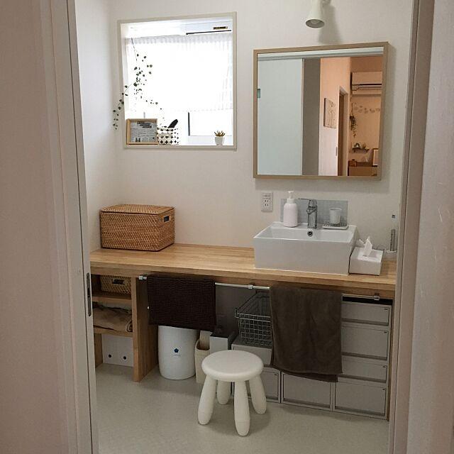 Bathroom,IKEA,造作洗面台,シンプル,ニトリ,100均アイテムで,セリア,白が好き,加工なし,すっきりさせたい,こどもと暮らす。,北欧ナチュラル,北欧好き,いつもいいね!ありがとうございます♪,シンプルナチュラル,無印良品,ハンドメイド umiclipの部屋