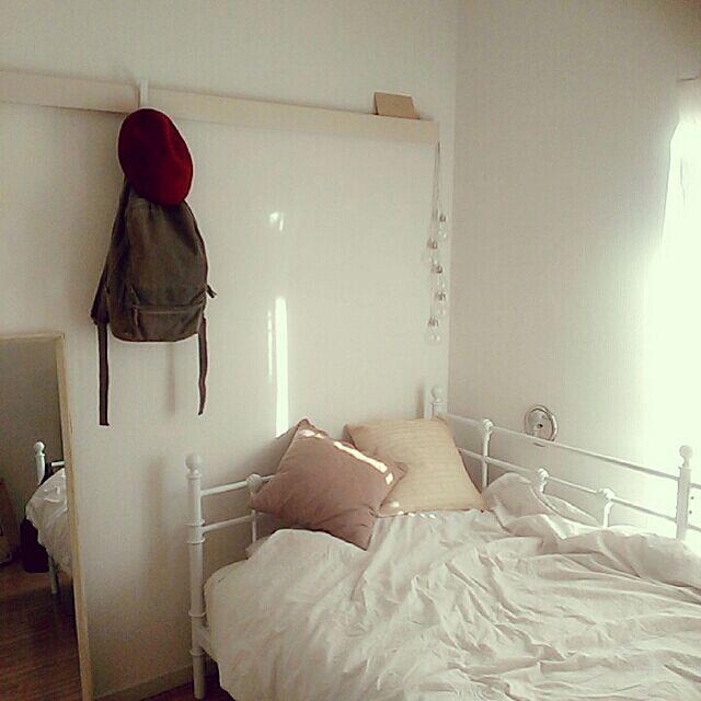 Bedroom,一人暮らし,ナチュラル,賃貸,salut!,アイアンベッド,塩系インテリアに憧れる,ホワイトインテリア,シンプル,進化中,ポストカード,ワンルーム,無印良品,デイベッド,nissen t32の部屋