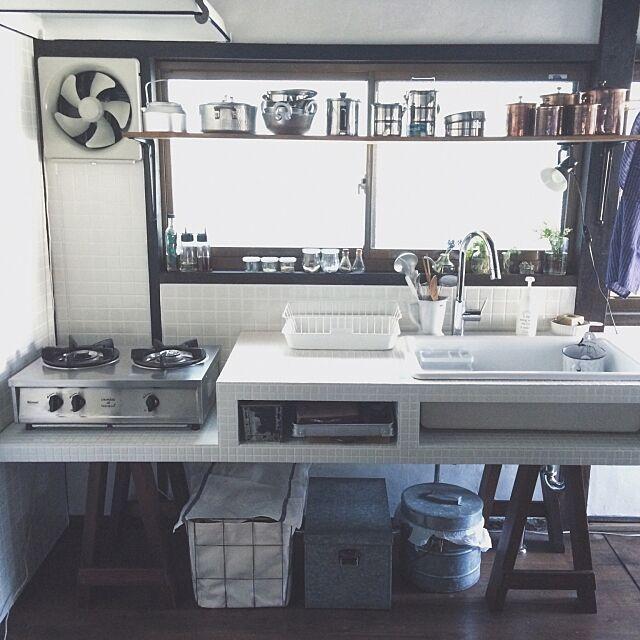 Kitchen,ソーホース,セルフリノベーション,DIY,古道具,タイル,シンク,漆喰 hellopicnicの部屋