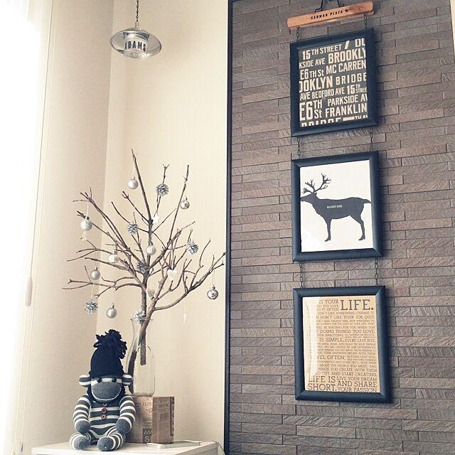 On Walls,フォトフレーム,壁,フレーム,セリア,ツリー,トナカイ,木の枝,ソックモンキー,クッキングシート,木の枝ツリー munmunの部屋