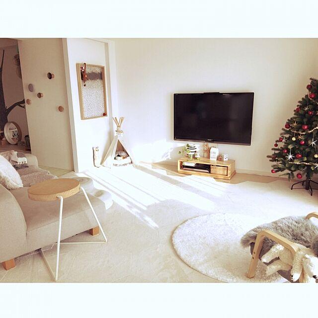 Lounge,北欧,クリスマスツリー,マンション,ペット,クリスマス,グローバルトレード社,犬,ウォールデコ,ペットと暮らすインテリア,北欧インテリア,マンションインテリア,タイルカーペット,オマジオ,ティピーテント,ラグ,MUUTO haruhinaの部屋