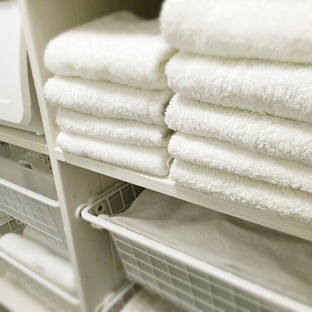 Bathroom,白いタオル♡,タオルはセブンイレブンのが好き,レールバスケットはIKEA,洗面所収納DIY,白のチカラ maronの部屋