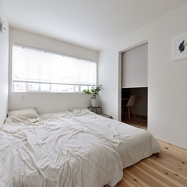 Bedroom,寝室,シンプル,無垢材,塩系インテリア,一軒家,marushohomedesining Emiの部屋