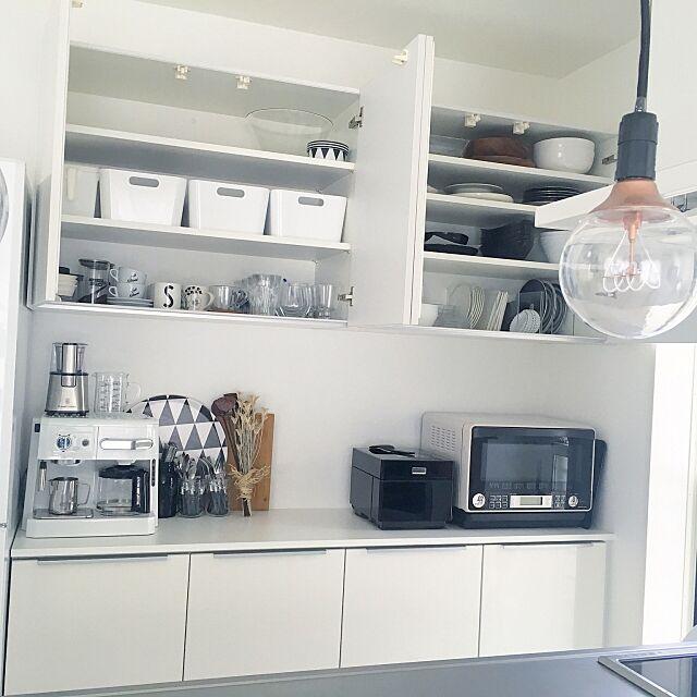 Kitchen,持たない暮らし,8割収納,カップボードの上,キッチンカウンター,カップボード,シンプルライフ,ダイニングからの眺め,シンプル,整理収納アドバイザー,整理収納アドバイザー1級,シンプルインテリア,IKEA,食器棚,整理収納,収納,ホワイトインテリア,ミニマム a.organizeの部屋