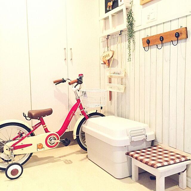 Entrance,ぐでたま,チビクル,子供自転車,板壁DIY,ポリプロピレン頑丈収納ボックス,無印良品週間,無印良品 evitenの部屋