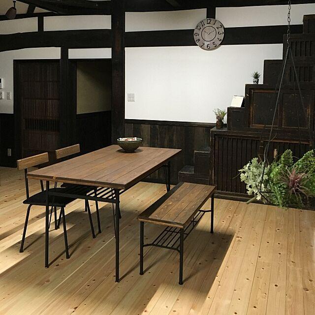いなざうるす屋さん,ニコアンド,古民家,漆喰,和風,リノベーション,古民家再生,日本家屋,築100年,塗り壁,無垢材,時計,ダイニングテーブル,ダイニング,My Desk,RC山梨支部 212ukの部屋