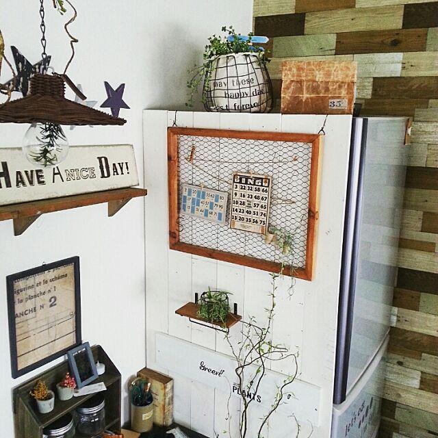 Kitchen,みんなからの素敵便,いなざうるす屋さん,壁紙,男前もナチュラルも好き,板壁,植物,ドライフラワー,冷蔵庫 hiromi0302の部屋